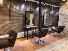 アグ ヘアー ベイ 松山店(Agu hair bey)の雰囲気(店内はおしゃれで落ち着いた空間。ゆったり寛げる場所。)