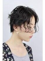 ショートヘア×モードパーマ