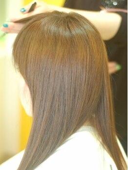 ヘアー ポッシュ(Hair POSH)の写真/似合うスタイルに施術するだけではなく、お家でのセットやケアの仕方もしっかりとお伝えします◎