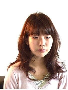 ヘアーカーブ(haircarve)haircarve夏・イノセントプラチナカラー・ノームコアミディ