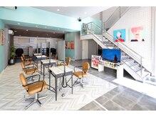 ステレオ ヘアデザイン 安城店(STEREO HAIR DESIGN)の雰囲気(【安城市】レディースのブースエリア。広々とした可愛い空間です)
