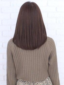 ヘナ ファクトリー 十条店の写真/積み重ねてきたカラー剤によるダメージは天然素材のヘナでケア◎乱れた頭皮環境が整い、艶のある髪が育つ!