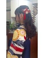 サロンド クラフト(salon de craft)【卒業式】ふわふわカールのハーフアップ袴スタイル♪