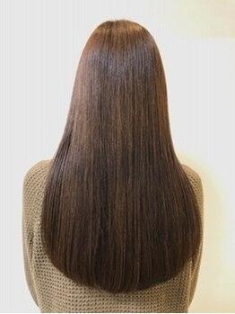 ピエールヘアーマーケット(Pierre Hair Market)の写真/家に帰っても触っていたくなる柔らかさ♪根元ストレート×毛先コテ巻き風パーマのストカールメニューも◎