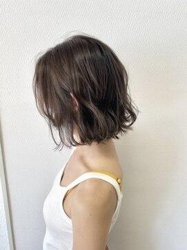 ヘアハウス ルアナ(Hair House Luana by NYNY)切りっぱなしボブ
