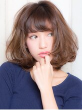 ルミナ オーガニックヘアー(LU3NA organic hair)華やかに魅せる条件はラフな外ハネカール
