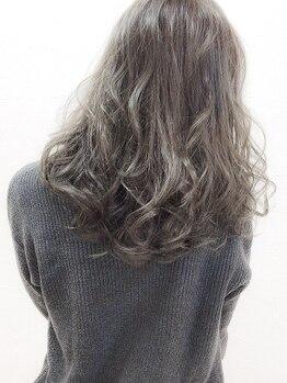ヘアリゾートヴィータ(HAIR RESORT VITA)の写真/透明感・ツヤ感のある憧れの外国人風カラーに☆経験豊富なスタイリストが1人1人のお好みに合わせてご提案♪