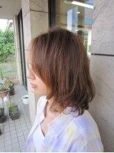 ひさご美容室 喜多町店愛されヘアの決定版はエアリーに弾むシュガーミディ