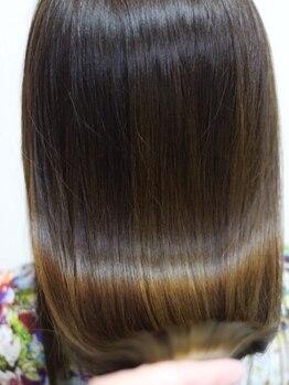 ヘアエステサロン グロス(HAIR ESTHE SALON GROSS)の写真/今までの縮毛と一味違う、見違える髪質が叶う★ヘアエステをしながらサラサラストレートに…◎