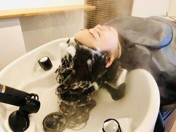 ヘアートープ ウニコ(life and hair design Hair Tope unico)の写真/健康な髪に導くために徹底的に頭皮を改善!フルフラットのシャンプースペースで極上の時間をお届けします♪