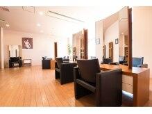 モッズ ヘア 横浜西口店(mod's hair)の雰囲気(広々とした空間で素敵な時間をご提供いたします。)