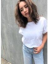 リマ(RIMA)【RIMA】 外国人風☆センターパートのラフカジュアルミディアム