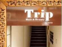 トリップバイ ニューヨークニューヨーク(Trip by NYNY)の雰囲気(階段を上がって2階にサロンはあります!!)
