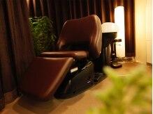 シエクル ヘアアンドスパ 吉祥寺店(SIECLE hair&spa)の雰囲気(半個室のフルフラットのシャンプーブースでリラックスできます。)