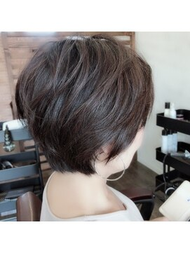 プロキシムヘアワークス(proxim hair works)ゆるふわ大人ショート