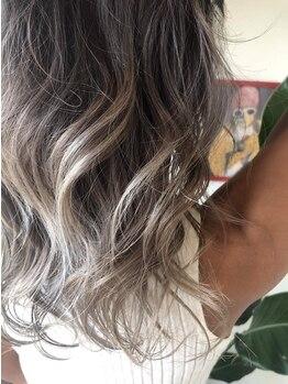 """アジトヘア(AZITO HAIR)の写真/""""THROWカラー""""あり!!赤みを消しクリアな発色☆グラデーションやハイライトなどデザイン性の高い仕上がりに!"""