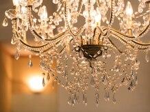 ロイヤル ルーム(ROYAL ROOM)の雰囲気(ラグジュアリー感のある贅沢で広々とした店内。)