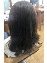 ブルーム ヘアアンドメイク(bloom hair&make)プラチナアッシュカラー