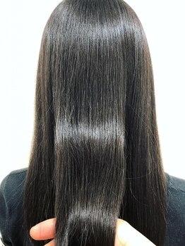 """ラシーネ(Lacine)の写真/クセ・うねりなどの髪質を改善◎まるで""""魔法""""のようなケアルーガ縮毛矯正!艶やかで柔らかい髪にウットリ♪"""