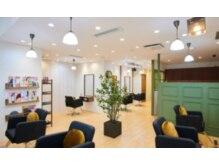 アグヘアー テイスター 保谷店(Agu hair taster)の雰囲気(ゆったり居心地の良い空間です。モスバーガーさんの二階です♪)