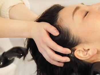 ラシーネ(Lacine)の写真/【キレイな髪は健康な頭皮から…】こだわりのヘッドスパで頭皮を癒し、素髪の美しさを最大限引き出します♪