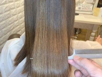 リーズヘアー(+Rees hair)の写真/【月曜OPEN!!圧倒的な艶】ダメージや髪質に合わせてベストなブレンドでワンランク上のトリートメントを実現