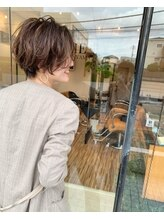 ミドルダイカンヤマ(middle daikanyama)お洒落トレンドハンサムショート【middle】丸岡奈央