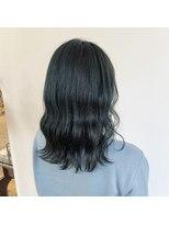ヘアーアイストゥーレ(HAIR ICI TRE)ブルーブラック ネイビー 暗めカラー