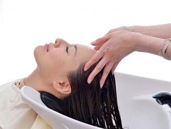 クーラペ(Cura Per hair garden)の写真/【4/1 NEW OPEN】スパの為に通うお客様多数♪頭皮の悩みや気分に合わせた施術で忙しい毎日を忘れてRelax★