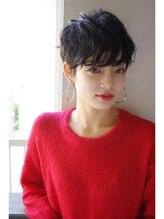 ビヨンドイー(beyond E)【ウェット質感】上品さとモードを兼ね備えた黒髪ショート
