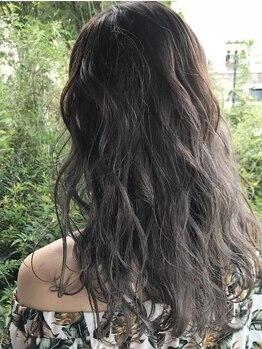 ルプラ ガーデン(le-pla garden)の写真/幅広い世代の方に来て頂いているので、白髪染めからハイトーンまでこだわりを持ってやっています♪