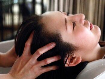 ヘアーサロン マメキチ(Hair Salon mamekichi)の写真/乾燥、かゆみ、におい…地肌のお悩み別に3種のヘッドスパをご用意◎肩までじっくりほぐす極上の癒し時間♪
