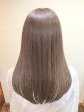 ギフト ヘアーアンドライフドレッサーズ(gift Hair&Life Dressers)サラ艶ストレート