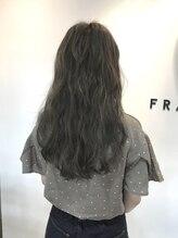 フレイムスヘアデザイン(FRAMES hair design)透明感溢れるハイグレージュカラー×波ウェーブロング