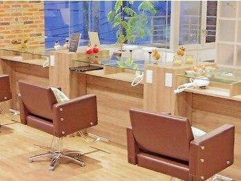 ルクステラスヘアサロン(Luxe Terrace hair salon)の写真/プライベートサロンならではのゆったりと落ち着いた時間。ガラス張りの開放的な空間で癒されて…♪