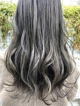 ラウンジ ヘアアンドグルーミング(Lounge HAIR&GROOMING)の写真/トレンドのオシャレカラーや白髪染めもお任せください!髪質やライフスタイルに合わせてご提案いたします☆