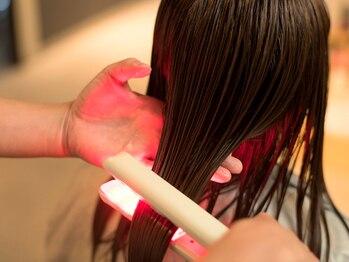 オリーブフォーヘアー(olive For hair)の写真/髪質改善特化サロン【超音波アクアトリートメント+小顔カット¥9350】最新技術で、思わず見惚れる艶美髪へ♪