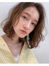 グッデイ ヘアー(GOOD DAY HAIR)エアリーミディ ショートパーマ黒髪 ホワイトアッシュ