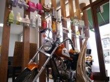 ハッチ ヘアーファクトリー ふじみ野店(hacchi Hair Factory)の雰囲気(店内には本物のバイクが・・・!?(人気・美容室・ふじみ野))