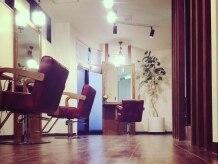 ヘアーアンドメイク ルチア(Hair&Make LUCIA)の雰囲気(木の温もりを感じる、癒やの空間―。)