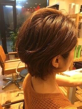 ヘアデザイン アーチェロ(hair design ACERO)の写真/《月曜もOPEN♪》【カット+ヘッドスパ¥6480】小顔にみえる計算されたカットで朝のスタイリングも楽ちん♪
