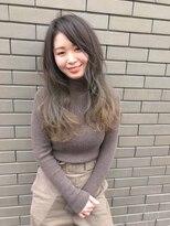 外国人風グレーブラウンのグラデーションカラー byIRO+ 白井