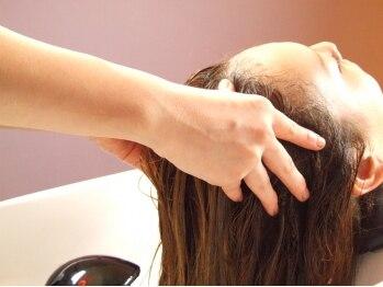 アクセンツ ヘアデザイン(Accents hair design)の写真/◆◇大好評のヘッドスパ◆◇頭皮を清潔に保ち、潤いのある髪に!心も癒す至福のひと時をご堪能下さい☆