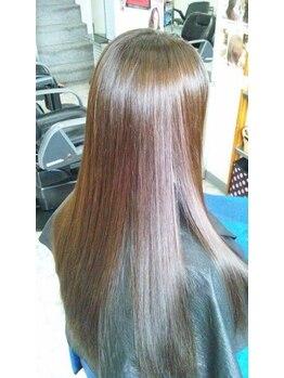 アコンプリット(ACOMPLIT)の写真/≪ツヤ感&潤いUP!≫当店No1の縮毛技術でお悩み解決◎柔らかい手触り☆しっかりクセを伸ばし憧れの美髪へ♪