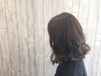 ヘアーワークスロジカ(hair works LOJICA)の写真/一人一人の頭・顔の形に合ったスタイルを提案!自宅での再現性も高くお客様に合わせたカットが人気のサロン!
