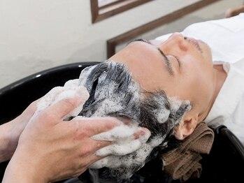 パルファン フォー メン(PARFUM for MEN)の写真/【メンズ専門店PARFUM◆22時迄】育毛促進×小顔整頭術スパで頭皮と髪のお悩みを改善!小顔効果でモテ度も◎