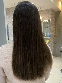 ヘアアンドメイク シークネクスト(HAIR&MAKE SeeK NEXT)の写真/立川駅南口1分◆季節問わず悩ましいクセ毛を「縮毛矯正」と「Aujua」で徹底ケア!するんっとまとまる髪に♪