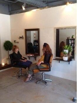 アンフォーマット(un format)の写真/女性ならではの髪の悩みなどを同じ目線で相談できる!ほんわかナチュラルサロンで、リラックスタイムを。