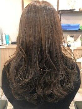 ヘアーアンドリフレッシュルアン(hair & refresh Ruan)の写真/話題のレゾシステムを採用!髪や頭皮のダメージでお悩みの方へ!染める度に艶とハリを与え美髪へと近づけます