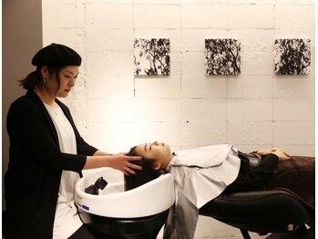 エイチ スリー(H3)の写真/【スパニスト在籍/YUMEシャン導入】髪だけでなく頭皮から肩までしっかりマッサージ♪2種類から選択OK★